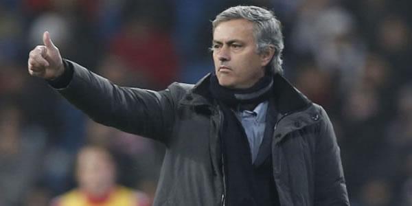 Jose Mourinho Kembali Serang Rafael Benitez photo