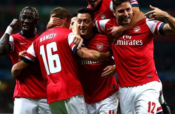 Mesut Ozil Tampil sebagai penentu kemenangan Arsenal