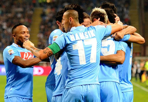 Napoli Usung Skuat Terbaik Ke Emirates