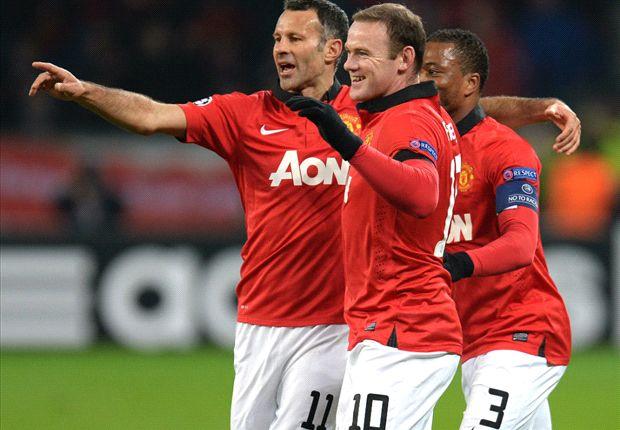 Wayne Rooney acungkan jempol untuk Ryan Giggs