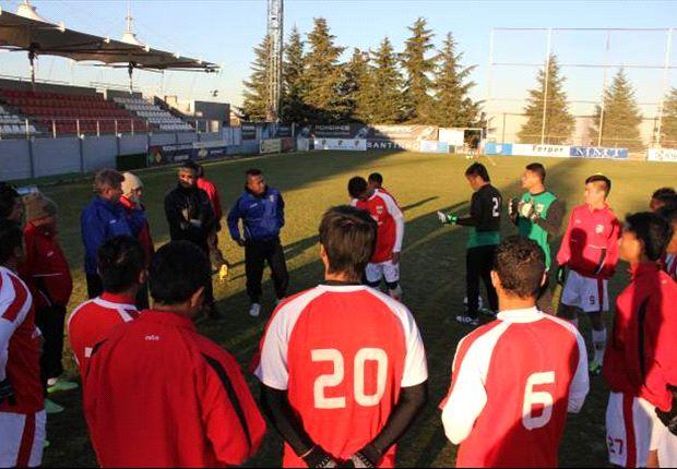 Indonesia XI menang 2-0 atas AEFI para pemain veteran timnas Spanyol