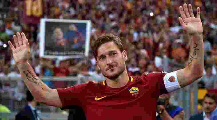 Kostum terakhir Francesco Totti ke Luar Angkasa